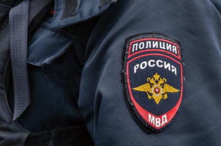 В Екатеринбурге неизвестный открыл стрельбу по прохожим из окна дома