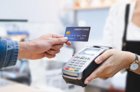 Россиянам раскрыли уловки магазинов при оплате картой